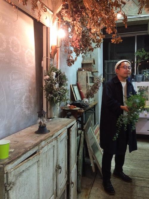 お花の教室(Xマスリース*ユーカリ*ランタン)_f0324766_10590043.jpg