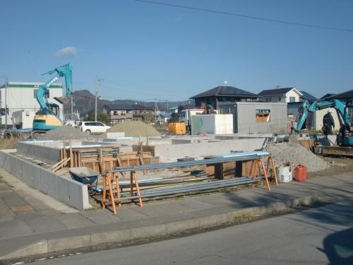 石巻市伊勢町 新築二世帯住宅建設中_e0357165_19115209.jpg