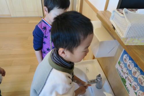 うさぎ組☆きりん組☆手洗いの練習_f0327175_18250521.jpg