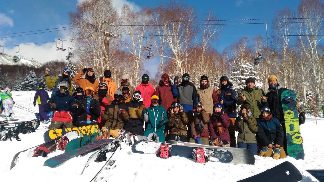 初滑りツアーとライダーミーティング_f0229217_2304355.jpg