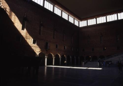 ノーベル賞晩餐会会場・・美しい建築です。_c0070136_16145969.jpg