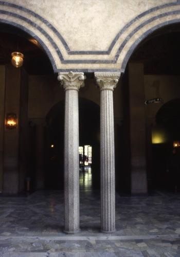 ノーベル賞晩餐会会場・・美しい建築です。_c0070136_16151505.jpg