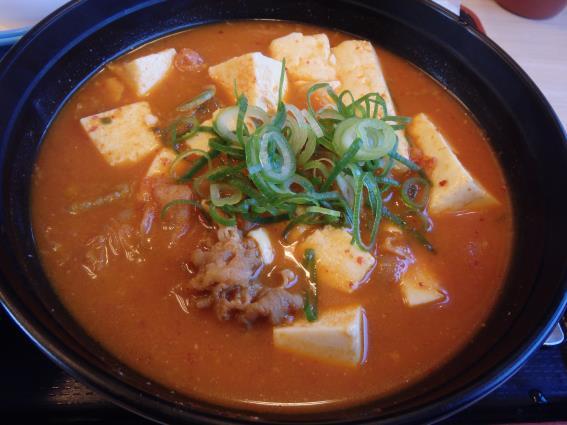 松屋の豆腐キムチチゲ膳   門真店_c0118393_1113599.jpg