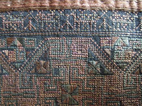 苗族刺繍の世界_f0055745_12480712.jpg