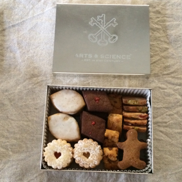 「Set of Three in a Tin Box」_c0192970_20405681.jpg