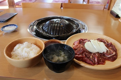 帯広市清川町のジンギスカン屋さん『白樺』 行きました。_f0362073_17143244.jpg