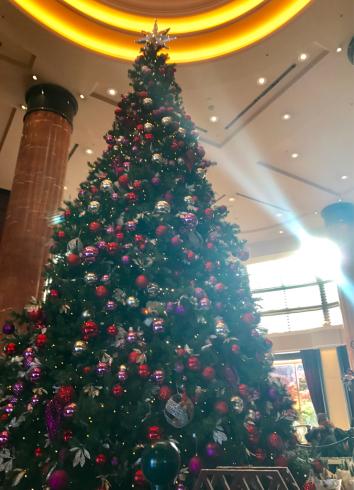ウェスティンホテル東京様のクリスマスツリーを眺めながら思ったこと 東京目黒不動前フラワースタジオフローラフローラ ウェディングブーケ装花&フラワースクール_a0115684_10061595.jpg