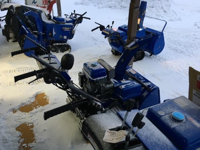 除雪機がいっぱい_e0126901_07403929.jpg