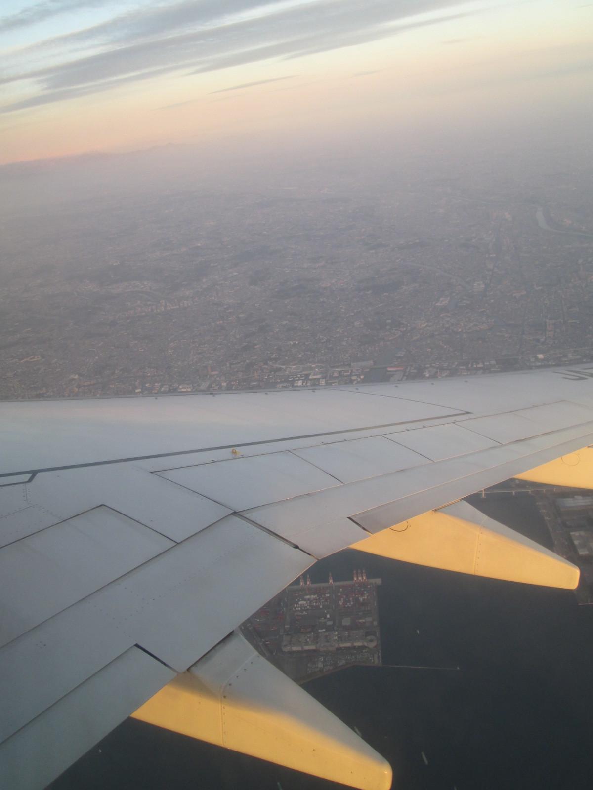 早朝、空からの眺め - 神戸旅行 その2 _a0057402_22320507.jpg