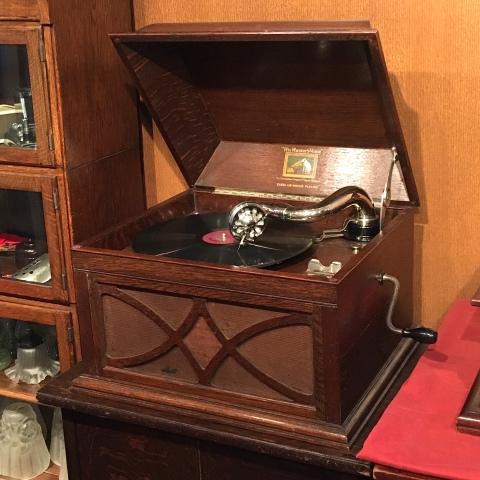 サウンド展の新着蓄音器:HMV104_a0047010_16520106.jpg