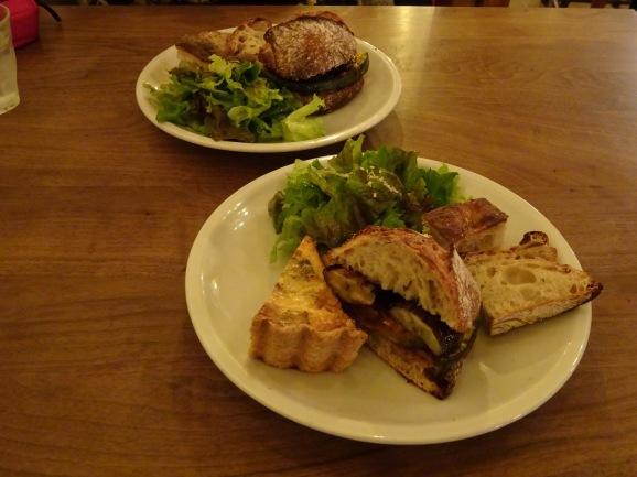 夜パーラーで美味しいサンド&トースト_e0230011_17180905.jpg