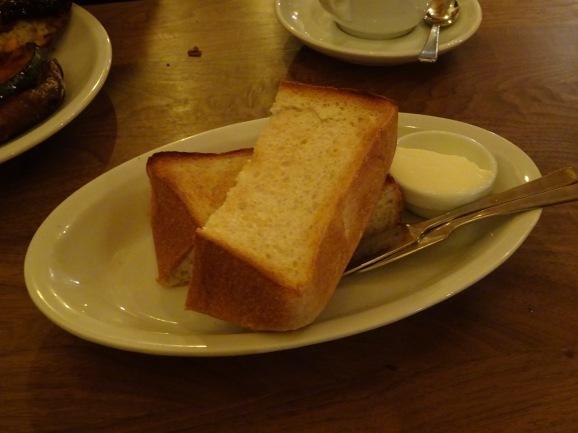 夜パーラーで美味しいサンド&トースト_e0230011_17195756.jpg