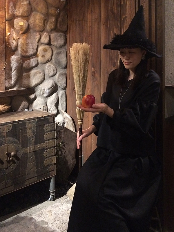 「魔女と、ステキな暮らし方」 石井 希 アクセサリーをつくる_a0260022_1639856.jpg