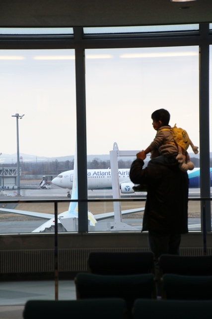 藤田八束の飛行機写真・鉄道写真@札幌駅でオホーツクに逢いました・・・札幌空港の飛行機も可愛く変身_d0181492_16161170.jpg