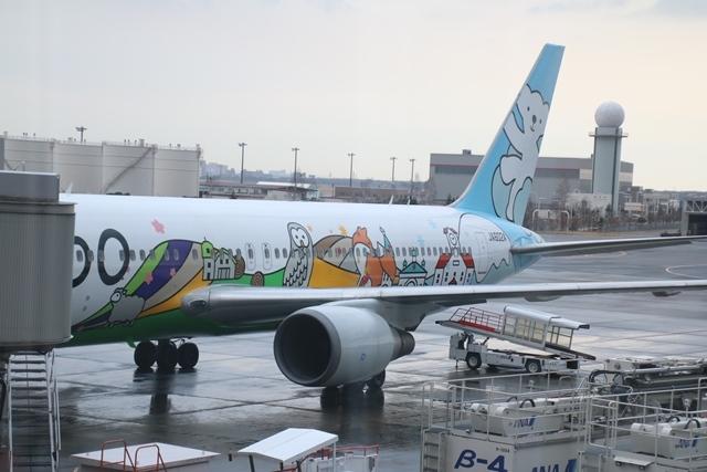 藤田八束の飛行機写真・鉄道写真@札幌駅でオホーツクに逢いました・・・札幌空港の飛行機も可愛く変身_d0181492_16162722.jpg