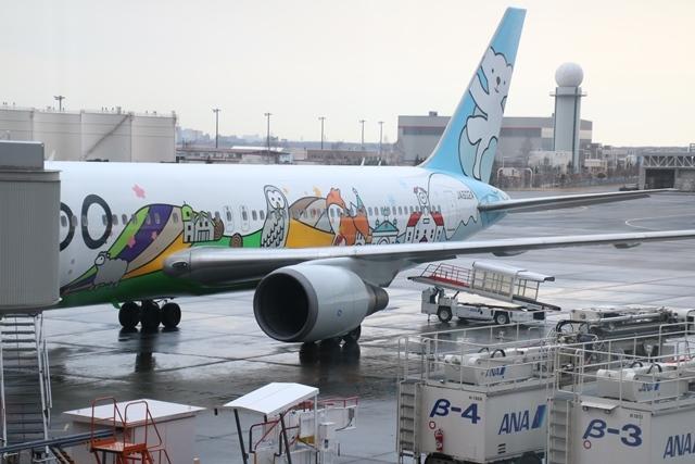 藤田八束の飛行機写真・鉄道写真@札幌駅でオホーツクに逢いました・・・札幌空港の飛行機も可愛く変身_d0181492_16170717.jpg