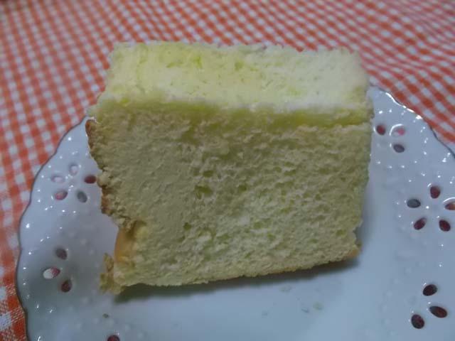 シフォンケーキに強力粉を使ってみた_f0019498_1917598.jpg