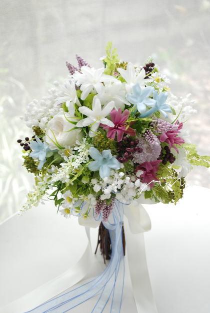 小花をあつめたクラッチブーケ!_a0136507_21343367.jpg