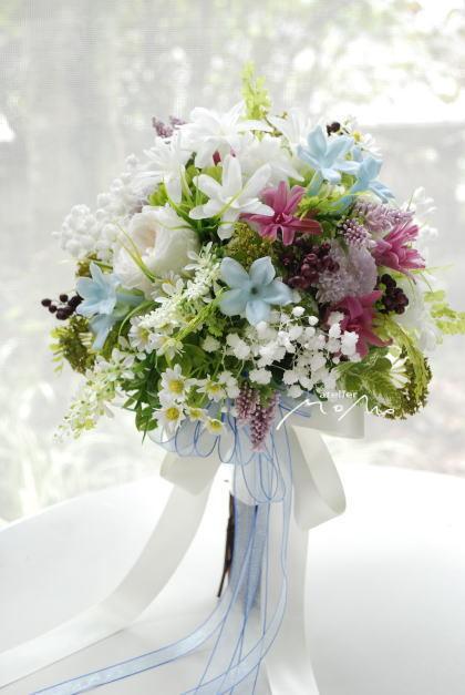 小花をあつめたクラッチブーケ!_a0136507_21344308.jpg