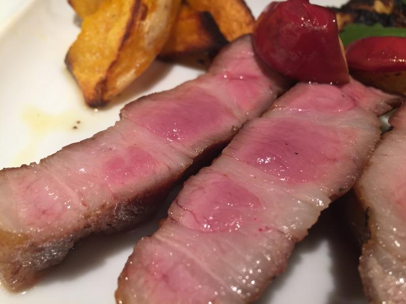 忙しい時こそ、お肉を食べて元気!&12月15日(木)のランチメニュー_d0243849_04540100.jpg