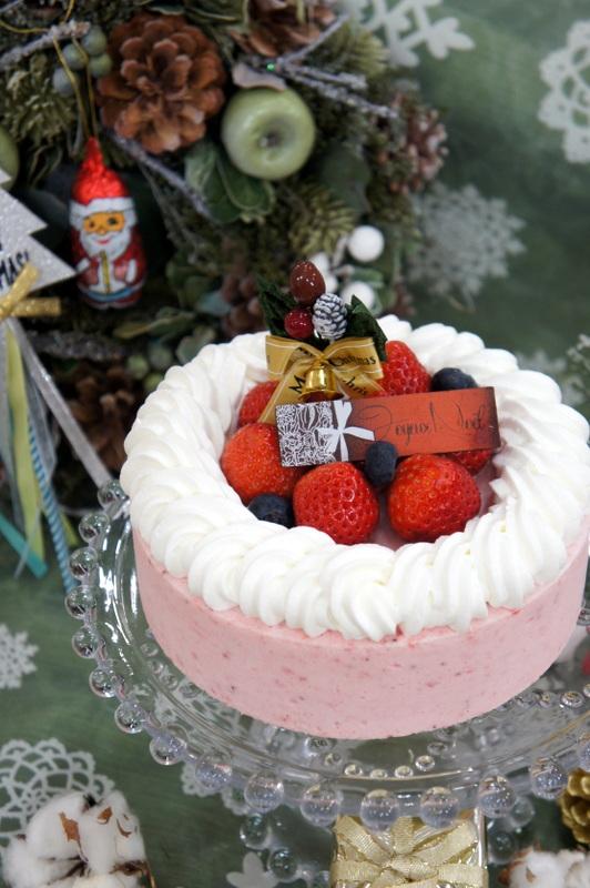 はっけんテレビで苺アイス クリスマスケーキをご紹介しました。_d0210450_1715747.jpg
