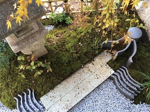坪庭と、路地庭と。_e0356655_18092320.jpg