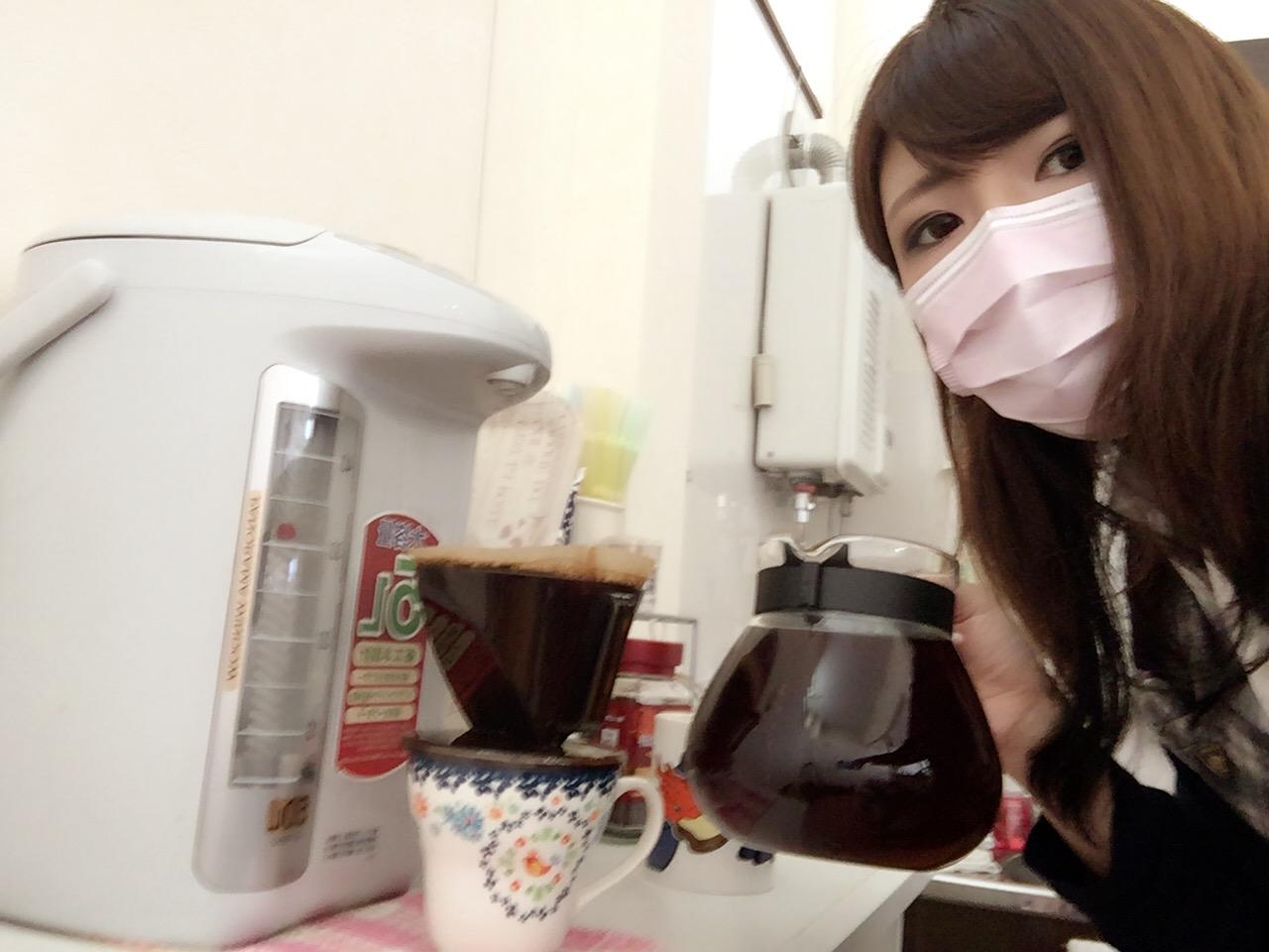 12月16日 本店、金曜日のオールスターブログ☆ ランクル・ハマー・アルファードはTOMMYへ♫_b0127002_1835202.jpg