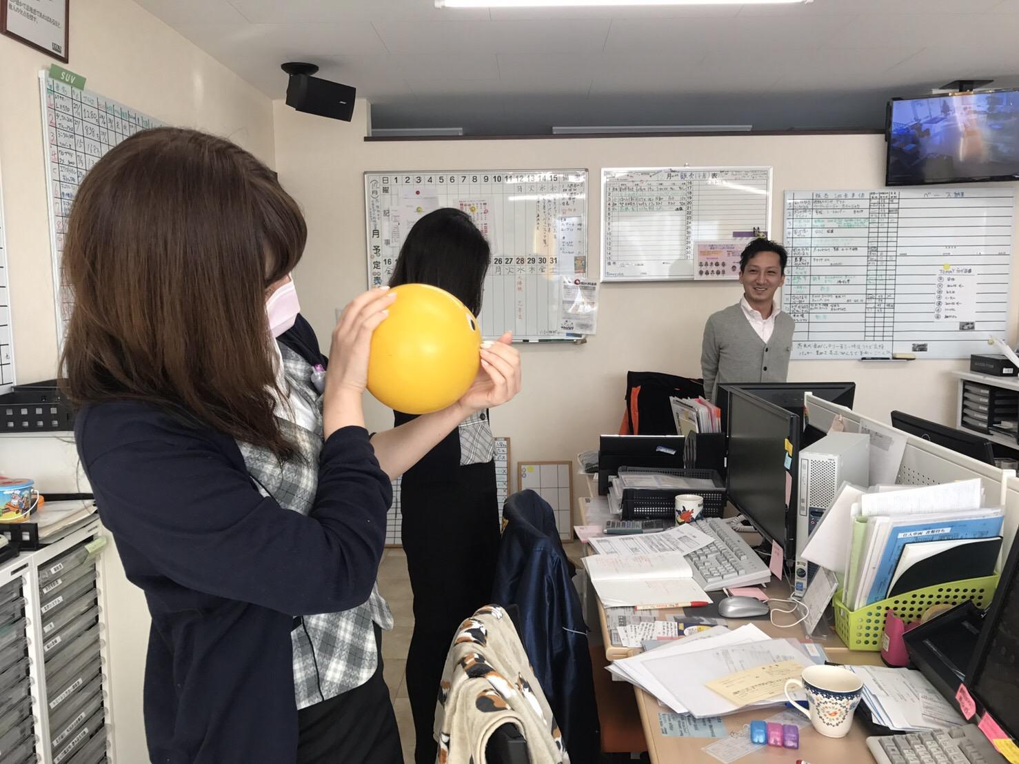 12月16日 本店、金曜日のオールスターブログ☆ ランクル・ハマー・アルファードはTOMMYへ♫_b0127002_18492320.jpg