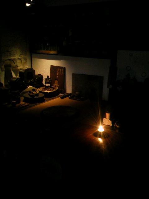 白磁の灯火器に火を灯してみたら。_e0350308_8364616.jpg
