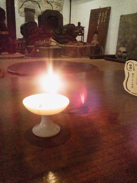 白磁の灯火器に火を灯してみたら。_e0350308_8364646.jpg