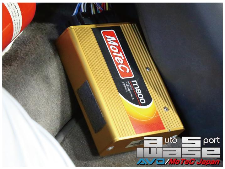 フォードRS200 M84→M800換装_b0250720_1856356.jpg