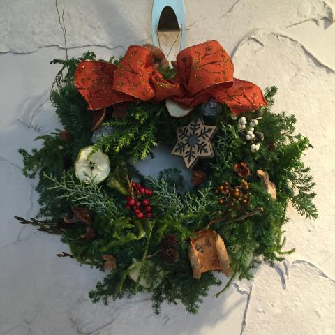 もうひとつクリスマス・リースを作りました!そして別府。_e0356356_17395880.jpg