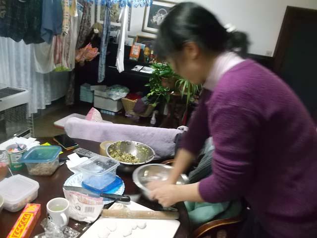 スイートポテト&餃子を作っていたら嫁が来た_f0019498_17461825.jpg