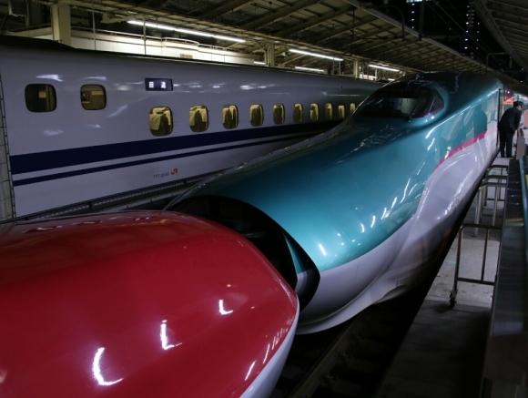 仙台からはE5系はやぶさ_d0202264_23440277.jpg