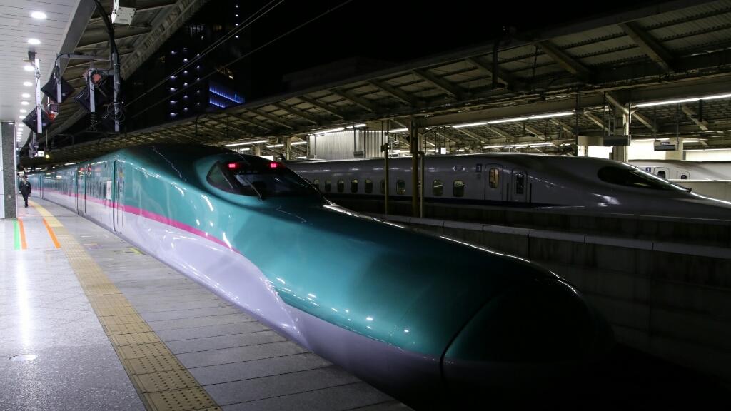仙台からはE5系はやぶさ_d0202264_23440456.jpg