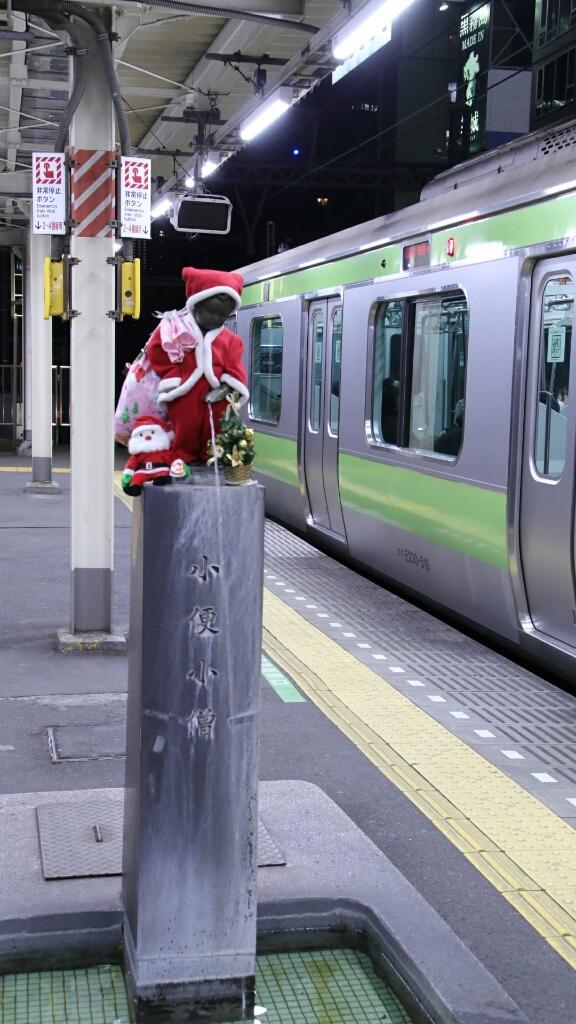 浜松町駅 小便小僧_d0202264_23504528.jpg