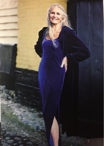 世界最高齢のファッションモデル_c0223630_00321667.jpg