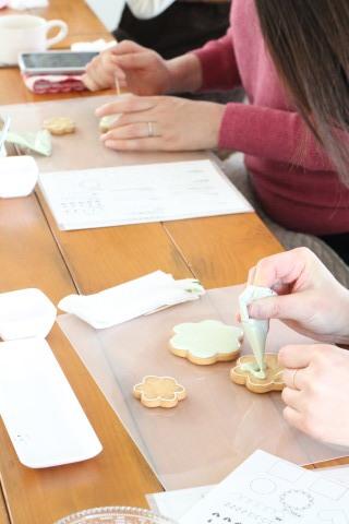 【レッスンレポ】launaのもらって嬉しい食べて美味しいアイシングクッキーレッスン_b0345432_21111035.jpg