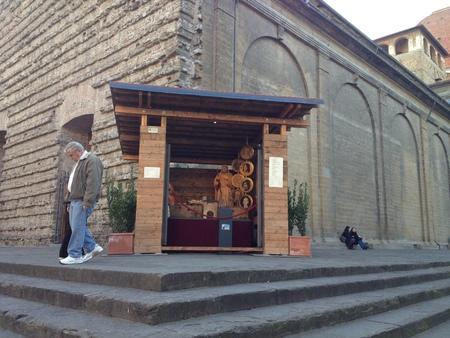 サン・ロレンツォ教会のフィレンツェらしいプレゼーペ_a0136671_1561381.jpg
