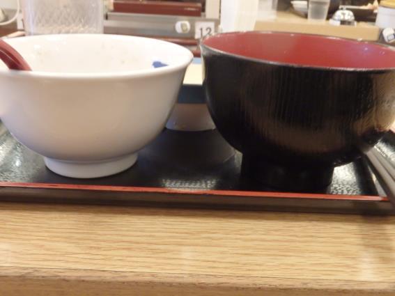 松屋の牛めし豚汁生玉子セット   川西能勢口店_c0118393_14341795.jpg