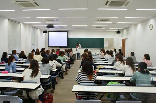 神戸松蔭女子学院大学 心理の仕事_e0364854_17064496.jpg