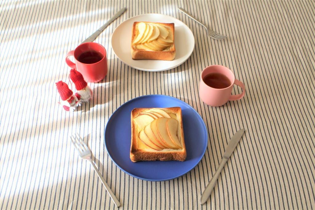 りんごトースト_f0220354_13243523.jpg