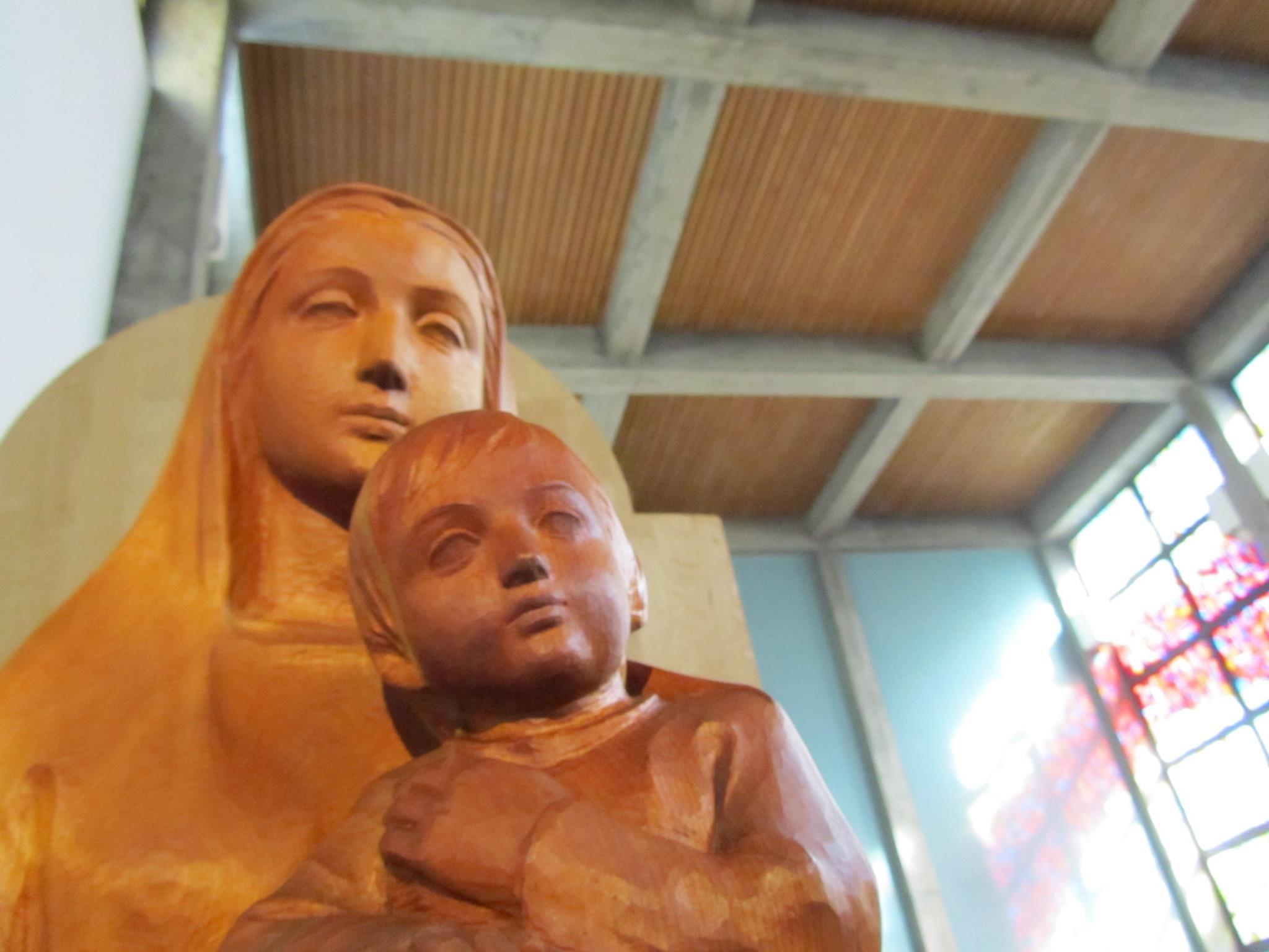 待降節第4主日。。。Stabat mater dolorosa.。。。おとめが身ごもって、男の子を産み その名はインマヌエルと呼ばれる。 ✯*・☪:.。・:*:・゚`☆*†_a0053662_12092436.jpg