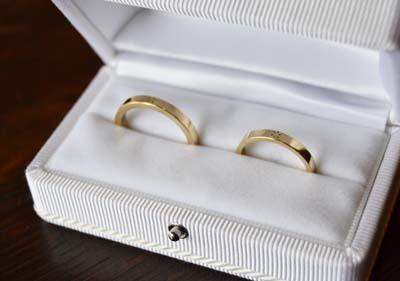 和彫りのK18結婚指輪_f0155891_13391350.jpg