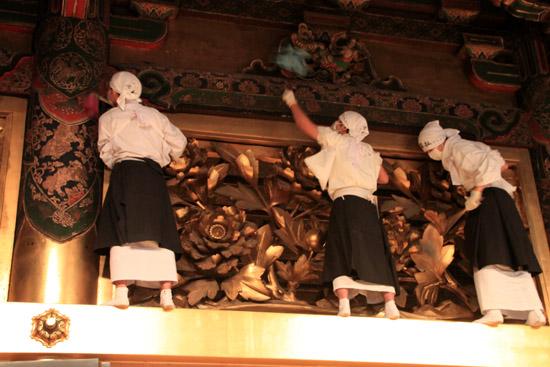 西本願寺 すす払い_e0048413_18121221.jpg