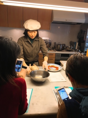 一体何回目??「海南チキンライスレッスン!」 & 1月はシンガポール料理!!_f0141419_11100155.jpg