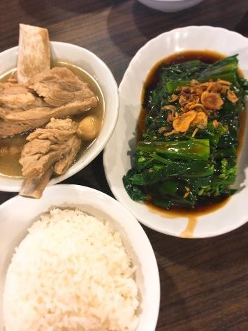 一体何回目??「海南チキンライスレッスン!」 & 1月はシンガポール料理!!_f0141419_11275842.jpg