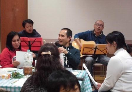 杉之浦の中心で国際交流を叫ぶ!! パート2 ~フィリピンの皆さんとクリスマスパーティーを楽しむ~_f0229523_1859030.jpg