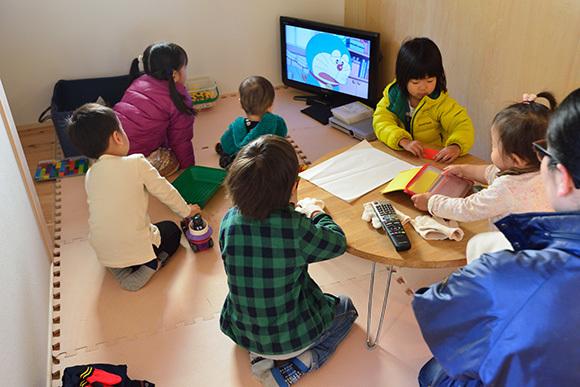 建物完成見学会 人が集う「松尾の家」_e0164563_08570206.jpg