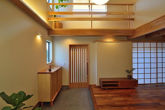 建物完成見学会 人が集う「松尾の家」_e0164563_08570207.jpg